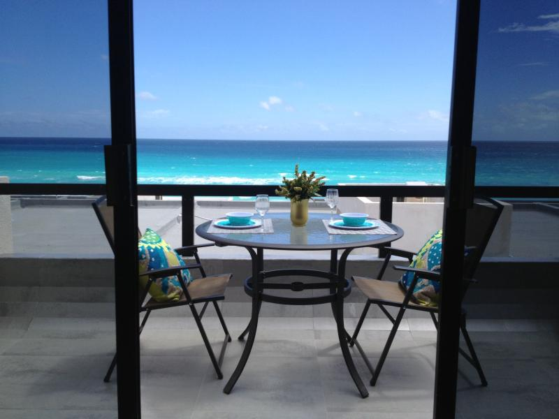 Balcony - A Real Gem Overlooking The Caribbean Sea - Cancun - rentals