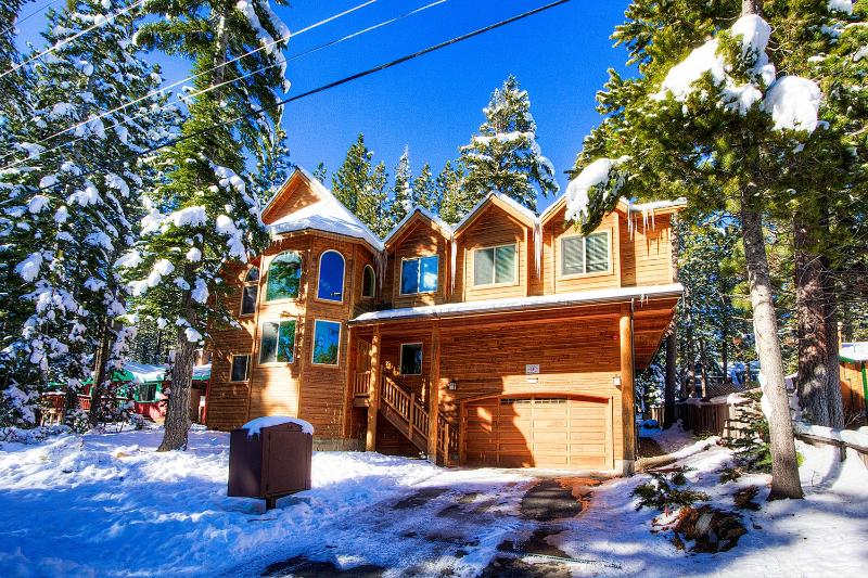 Awesome 6 Bedroom South Lake Tahoe Home ~ RA693 - Image 1 - South Lake Tahoe - rentals