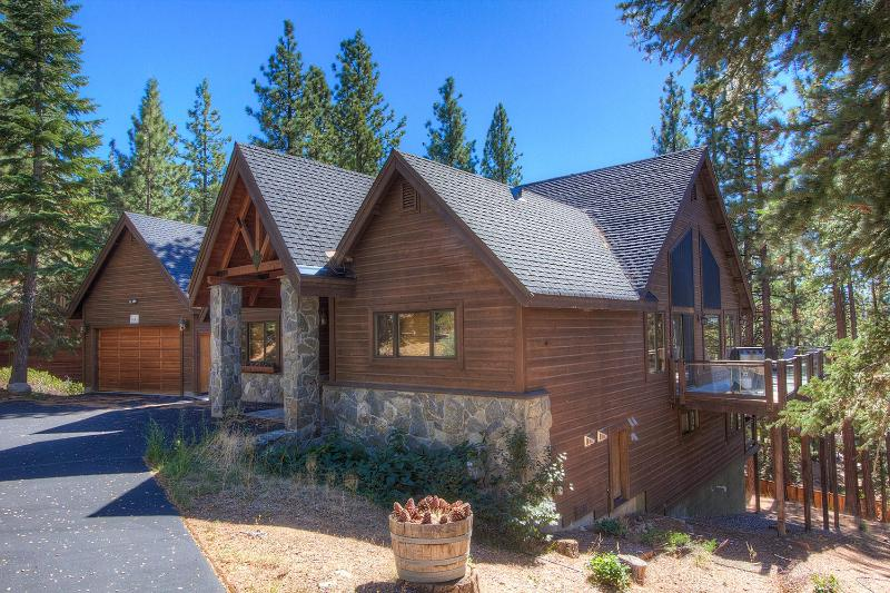 Spectacular Custom Home with the Perfect Amenities ~ RA3657 - Image 1 - South Lake Tahoe - rentals