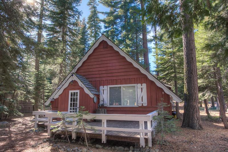 Authentic Mountain Atmosphere in Tahoma Cabin ~ RA917 - Image 1 - Tahoma - rentals