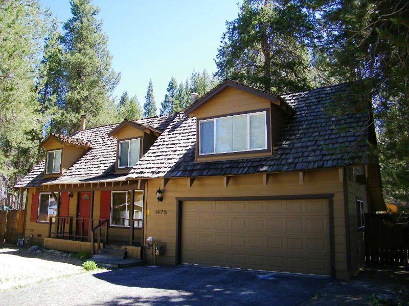 Great Remodeled Cabin with Perfect Access to Beaches and Skiing ~ RA3661 - Image 1 - South Lake Tahoe - rentals