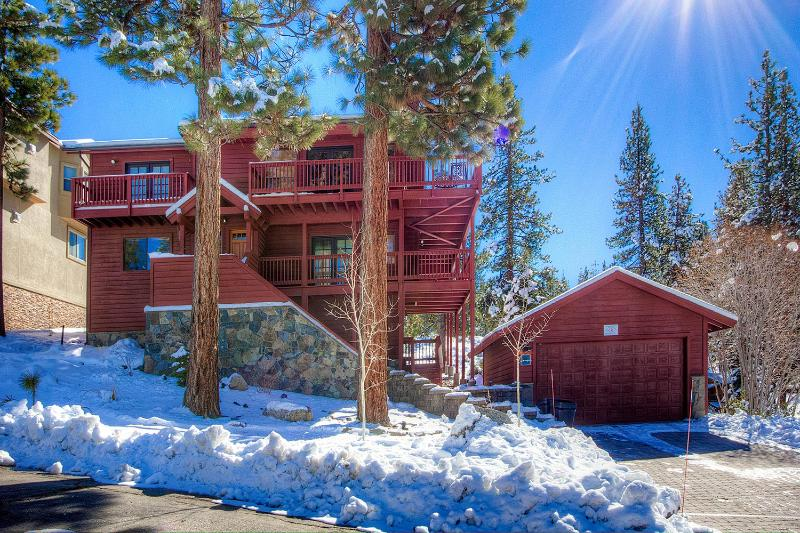 Enjoy Sierras at Executive Tahoe Home ~ RA762 - Image 1 - South Lake Tahoe - rentals