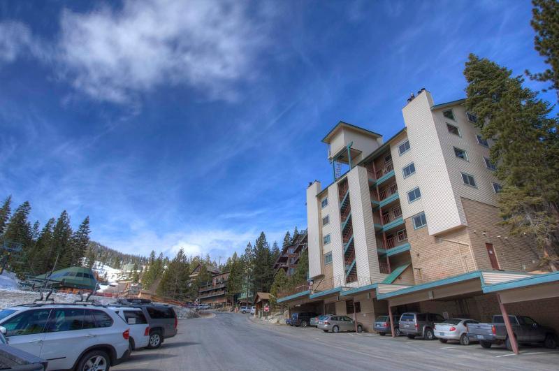 Skier's Dream Condo Sleeps 6 ~ RA775 - Image 1 - Lake Village - rentals