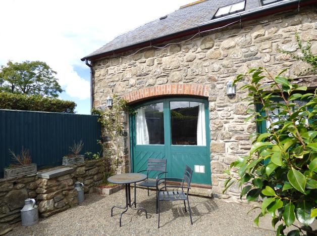 Pet Friendly Holiday Home - The Old Coach House, Abermawr - Image 1 - Pembrokeshire - rentals