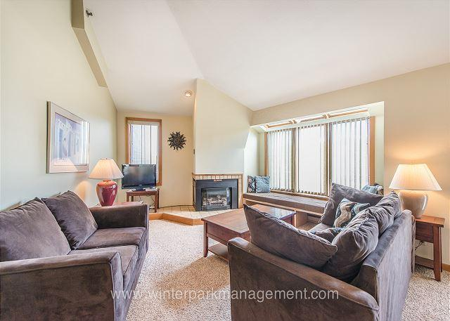 1 bedroom + loft condo only 8 minutes from the slopes - Image 1 - Winter Park - rentals