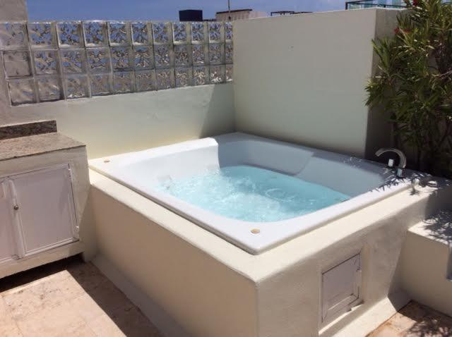 enjoy your outdoor jacuzzi on the private rooftop terrace - Close to the beach, penthouse with rooftop terrace - Playa del Carmen - rentals