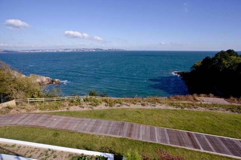 Osprey 3, The Cove located in Brixham, Devon - Image 1 - Brixham - rentals