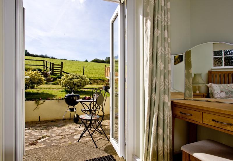 Barn Studio located in Totnes, Devon - Image 1 - Totnes - rentals