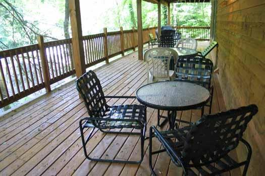 Deck at Foxes' Den - FOXES' DEN - Pigeon Forge - rentals