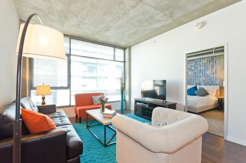 Contemporary 2 Bedroom Apartment in Downtown LA - Image 1 - Los Angeles - rentals