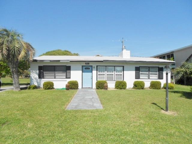 One block from the beach ground level - Island Escape 115368 - Kure Beach - rentals