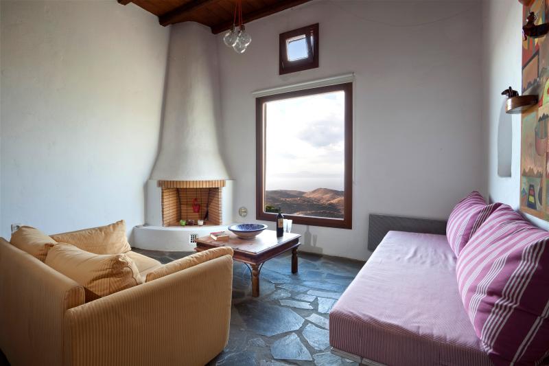 Interior View - The Artsy Maisonette - Kea - rentals
