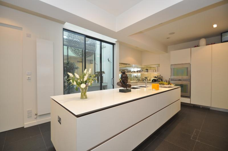 Marylebone Magic. Beautiful 3 bed mews house, Marylebone - Image 1 - London - rentals