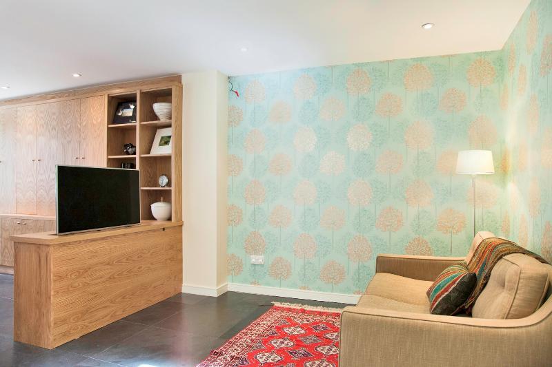 Modern 2 bed Mews house - Belsize Park - Elizabeth Mews - Image 1 - London - rentals
