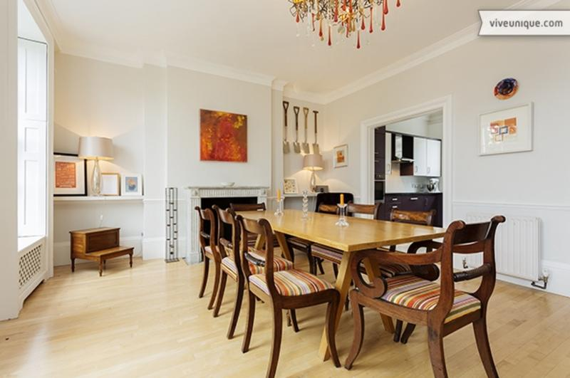 Incredible 4 bed, 4 bath home on the bank of River Thames! Sleeps 7. - Image 1 - London - rentals