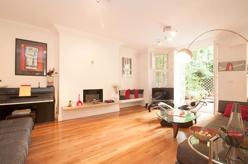 3 Bedroom Garden Apartment, Arkwright Road, Hampstead - Image 1 - London - rentals
