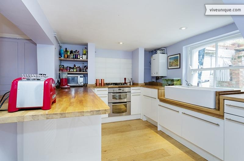 3 Bed Central London - Sleeps 5 Buttesland St - Image 1 - London - rentals