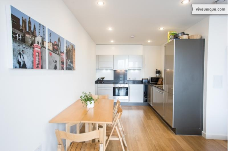 City view two-bed apartment, Limehouse - Image 1 - London - rentals