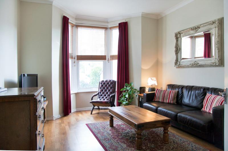 3 bedroom ground floor property in Crouch End - Image 1 - London - rentals