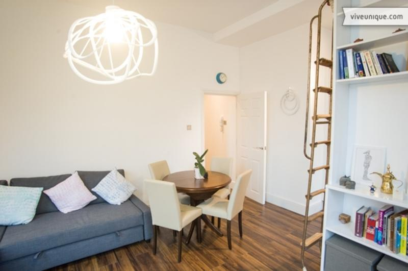 Smart 1 bed flat on trendy Shoreditch High Street, Shoreditch - Image 1 - London - rentals