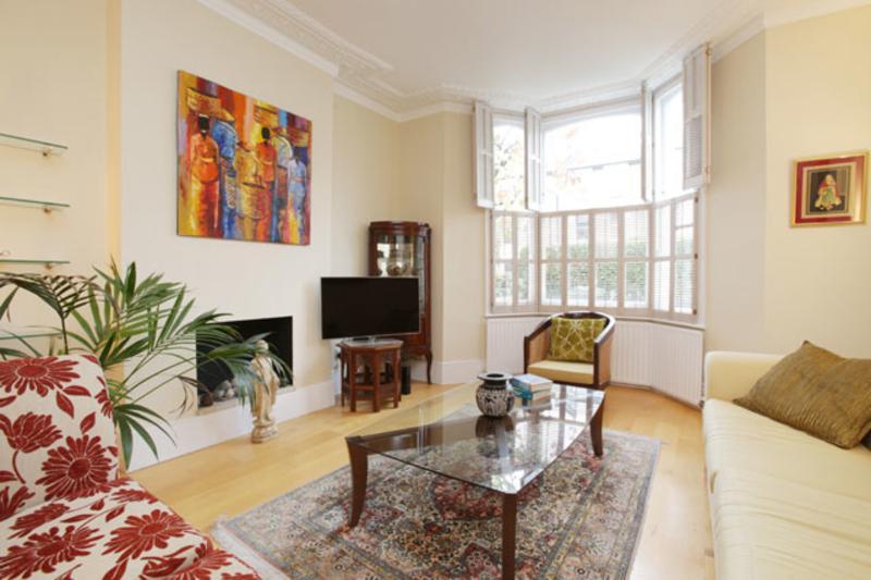Spacious home with garden, Balfour Street, Highbury - Image 1 - London - rentals