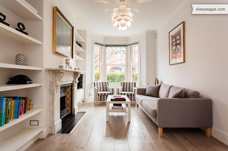 Beautifully finished 4 bed home, Gordondale Road, Wimbledon - Image 1 - London - rentals