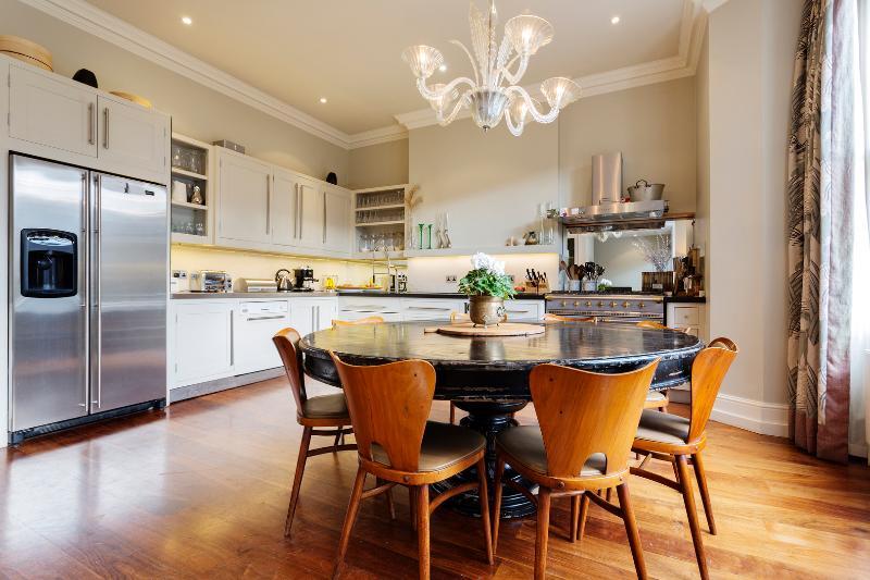 Incredible interior designed home, Brondesbury Road, Queen's Park - Image 1 - London - rentals
