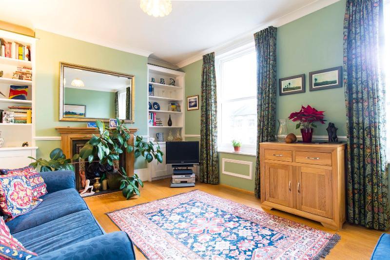 2 bed 2 bath maisonette on Shaftesbury Road - Image 1 - London - rentals