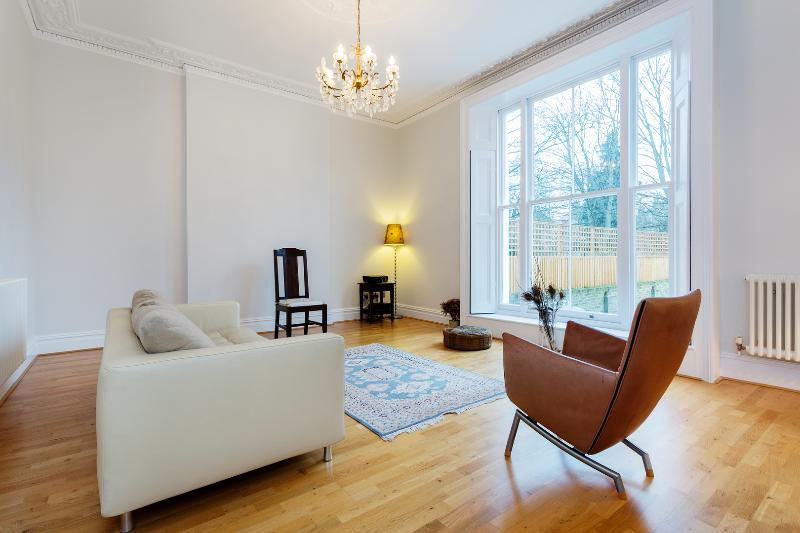 Spacious 4 bedroom house, Belsize Road, South Hampstead - Image 1 - London - rentals