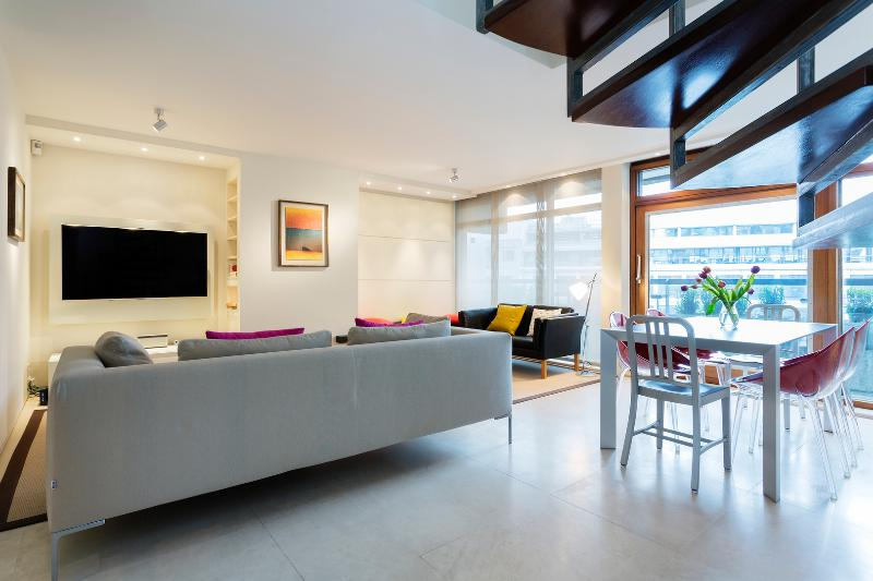 Modern Penthouse Central London, walk to St Paul's - Image 1 - London - rentals