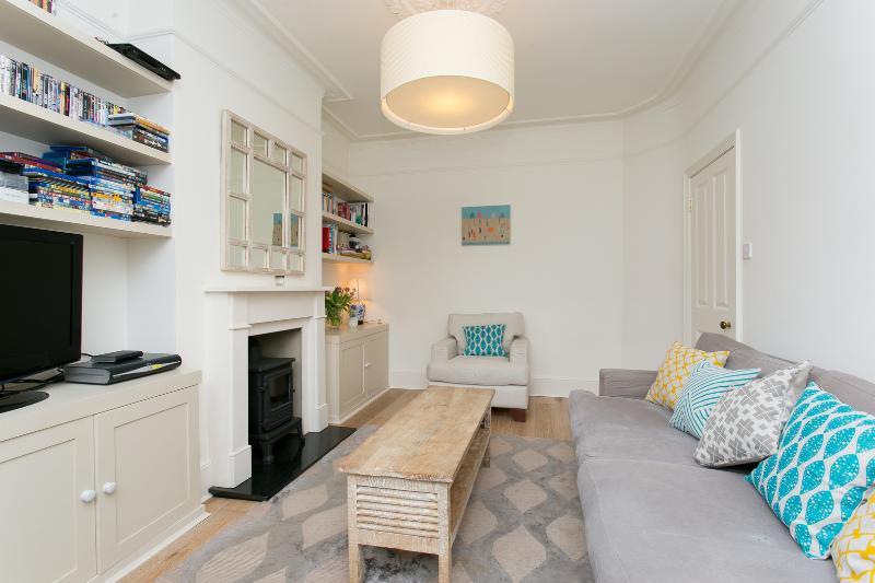 2 bed on Alverstone Avenue, by Wimbledon stadium - Image 1 - London - rentals
