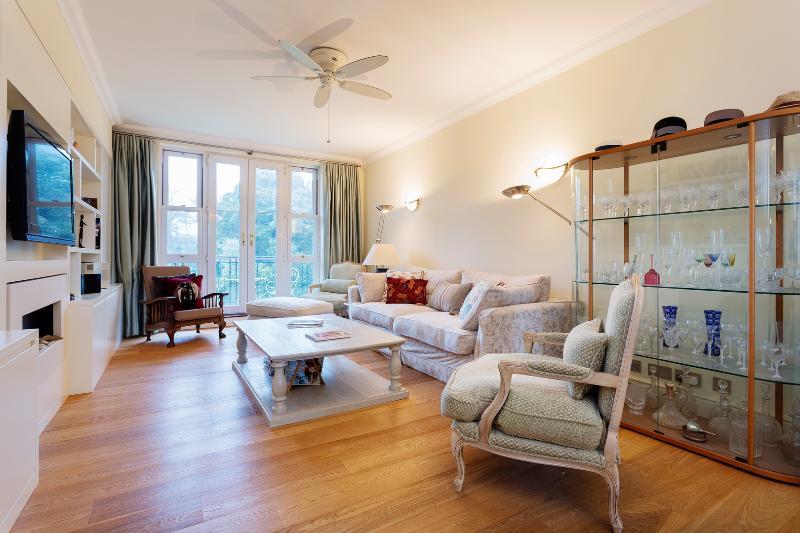 2 bed apartment, Chapman Square, Wimbledon - Image 1 - London - rentals