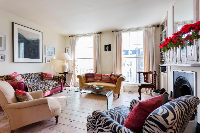 3 bed 3 bath house on Liverpool Road, Islington - Image 1 - London - rentals