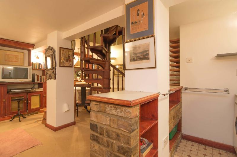 3 bed 3 bath mews house in Knightsbridge, minutes from Harrods - Image 1 - London - rentals