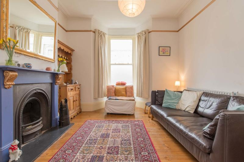2 bedroom house on Oldfield Road, Stoke Newington - Image 1 - London - rentals