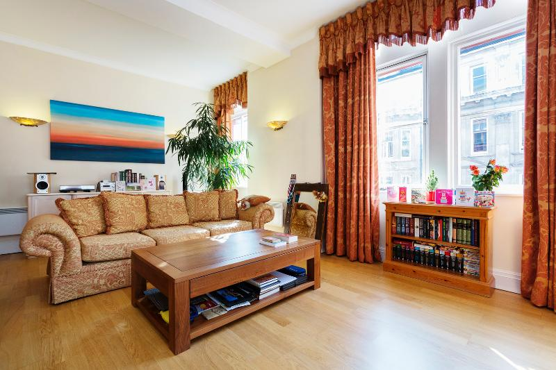 2 bed flat in the heart of London, Tudor Street, Blackfriars - Image 1 - London - rentals