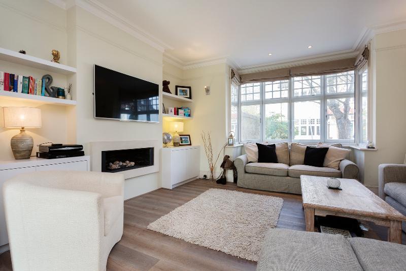 4 bedroom house, Byfeld Gardens, Barnes - Image 1 - London - rentals