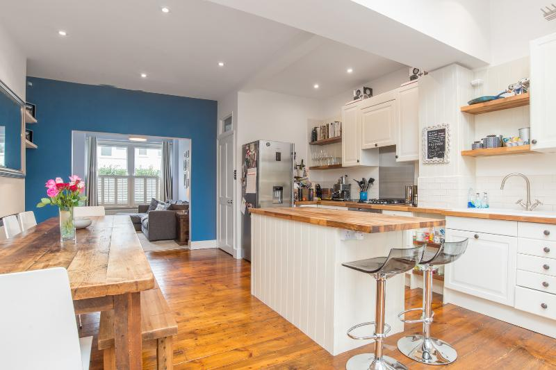 3 bed house, Avondale Road, Wimbledon - Image 1 - London - rentals