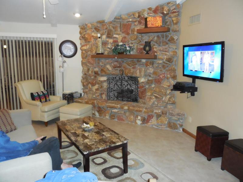 "Living Room 50"" HDTV, Sofa, 2 recliners, Chair & ottoman - Walk 2 Everything Spacious Patio Home, Heated Pool - Fountain Hills - rentals"