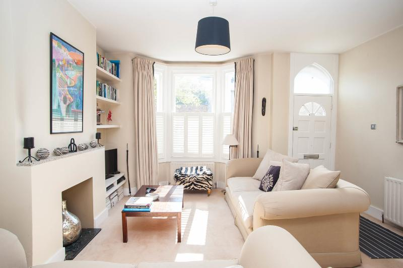 2 bed house on Ebner Street, Wandsworth - Image 1 - London - rentals