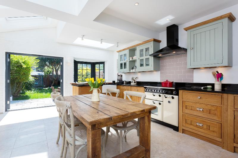 2 bed house, Heathfield North, Twickenham - Image 1 - London - rentals