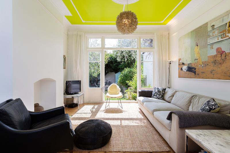 4 bed house on Leighton Road, Ealing - Image 1 - London - rentals