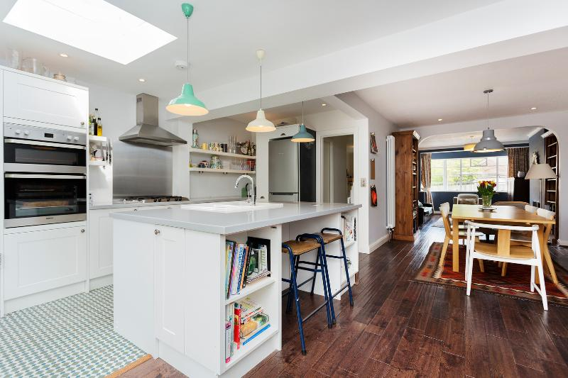 Stylish three-bedroom family home with extra garden guest house, North London. - Image 1 - London - rentals
