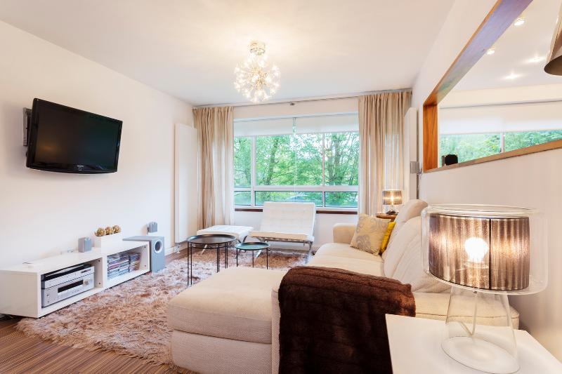 2 bed 2 bath flat on Willesden Lane, Queens Park - Image 1 - London - rentals