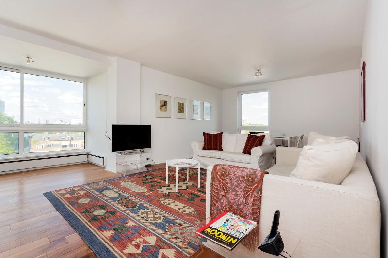 2 bed flat, Valiant House, Battersea - Image 1 - London - rentals