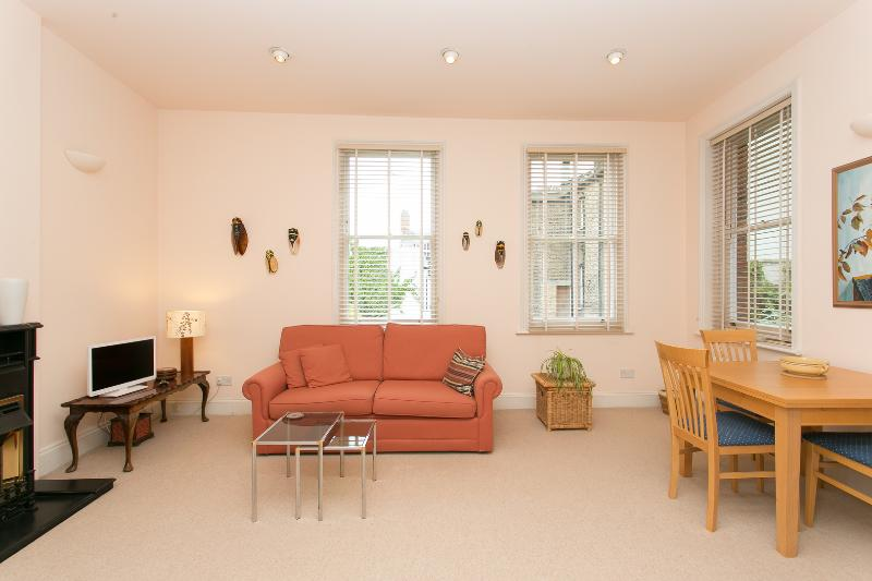 1 bed flat on Rosslyn Hill, Hampstead - Image 1 - London - rentals
