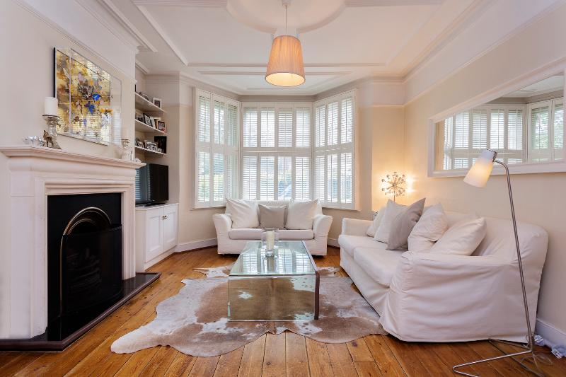 5 bed home on Ruskin Avenue, Kew - Image 1 - London - rentals