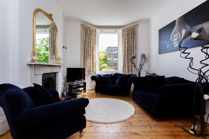 4 bedroom house on The Chase, Clapham - Image 1 - London - rentals