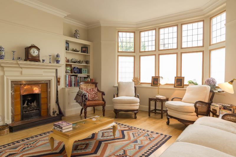 4 bed house on Magdalen Road, Wandsworth - Image 1 - London - rentals