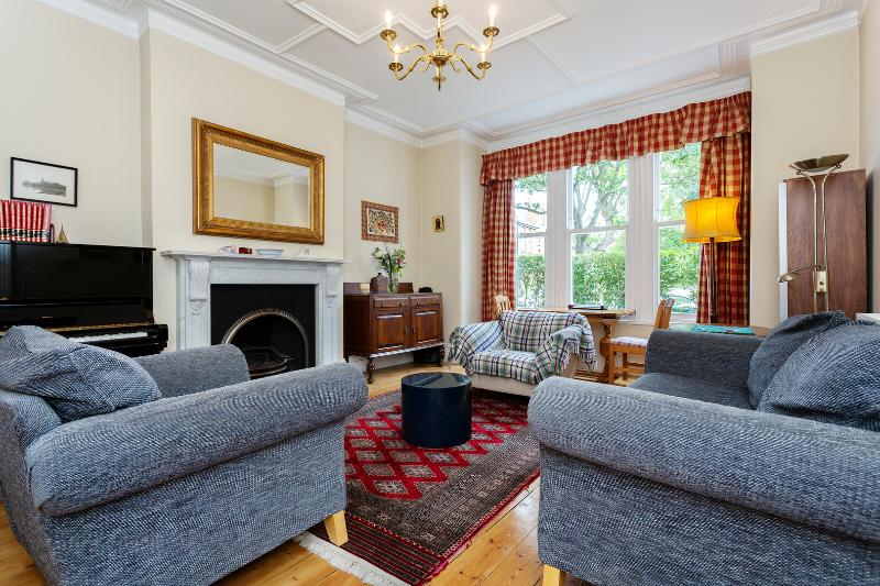 5 bed house on Streathbourne Road, Tooting - Image 1 - London - rentals